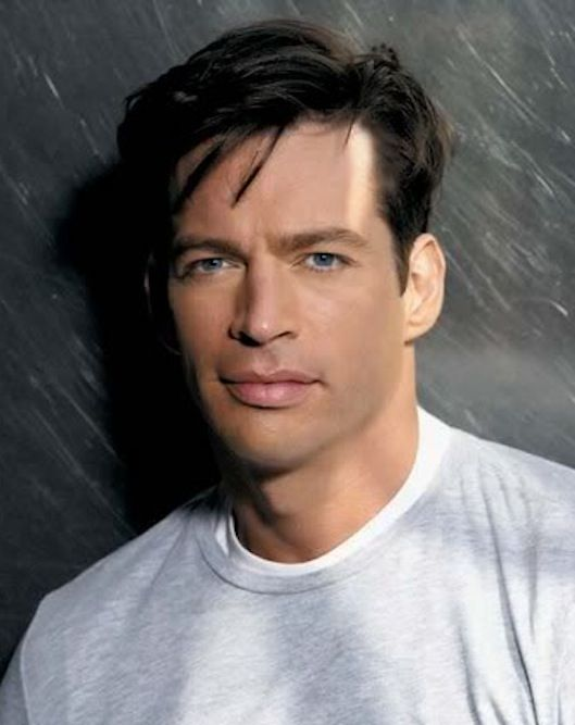 Harry Connick Jr - and the fact that he makes great music makes him even more yummy!