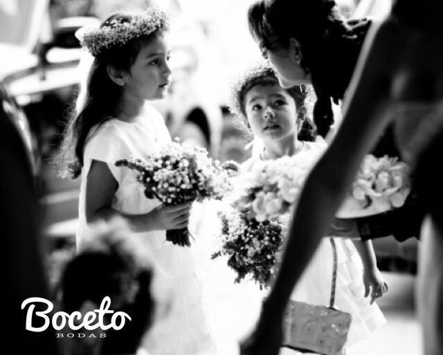 #wedding #decoration #bouquet #flowergirl #bodaselsalvador #eventoselsalvador #Fiestaswlsalvador #elsalvadorweddings #salvadoreanevents #salvadoreanweddings