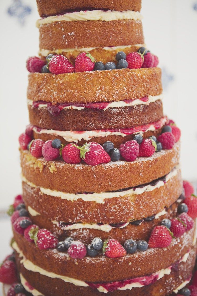 Garden party games wedding cakes