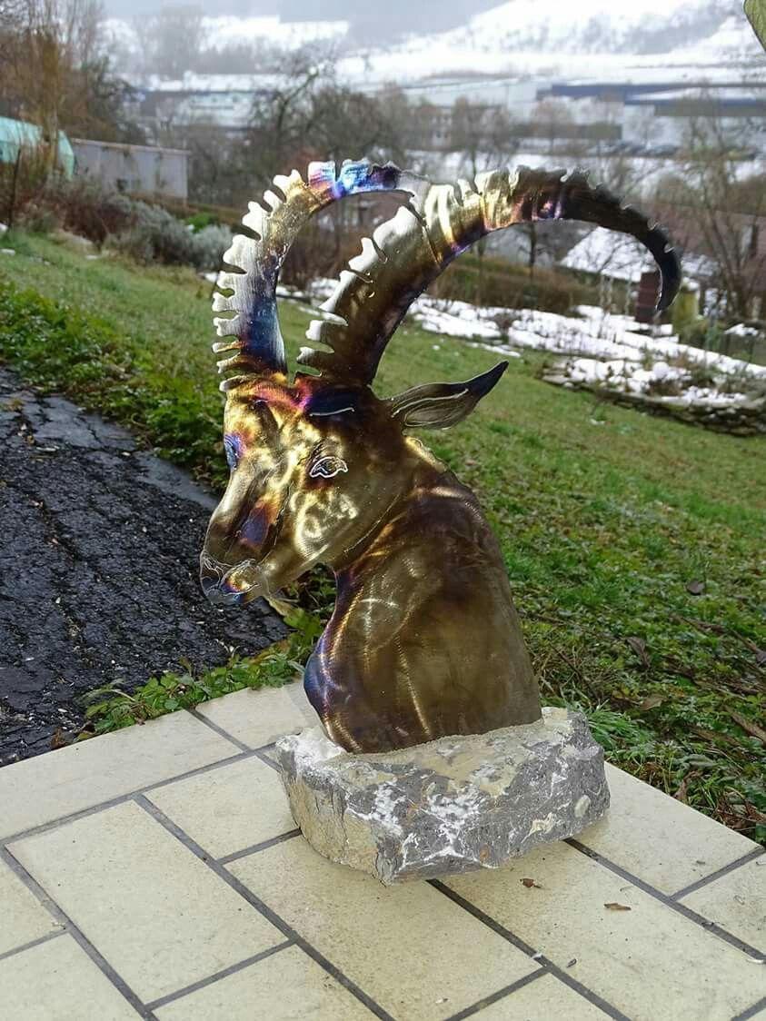 Sternzeichen Steinbock Als Metall Und Stein Skulptur