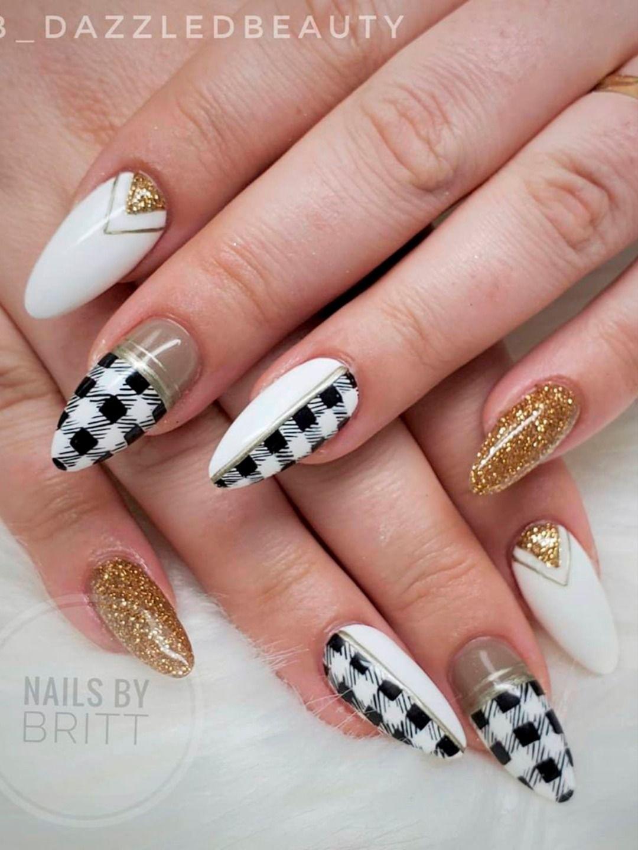 The Prettiest Plaid Nails Designs of 2020 | Cute M