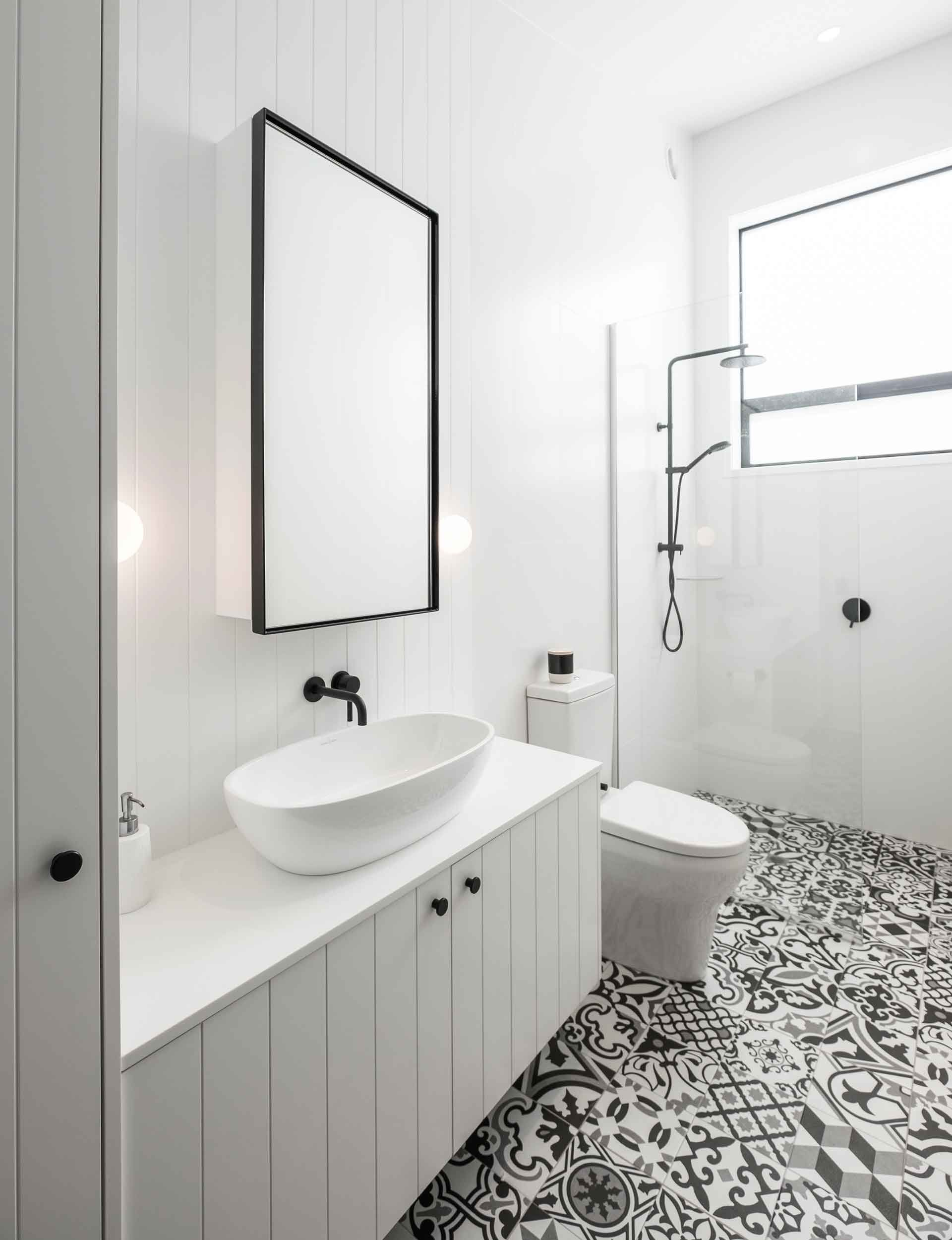 5 Essential Design Hacks That Will Inspire Your Bathroom Renovation Simple Bathroom Renovation Bathroom Renovation Small Bathroom