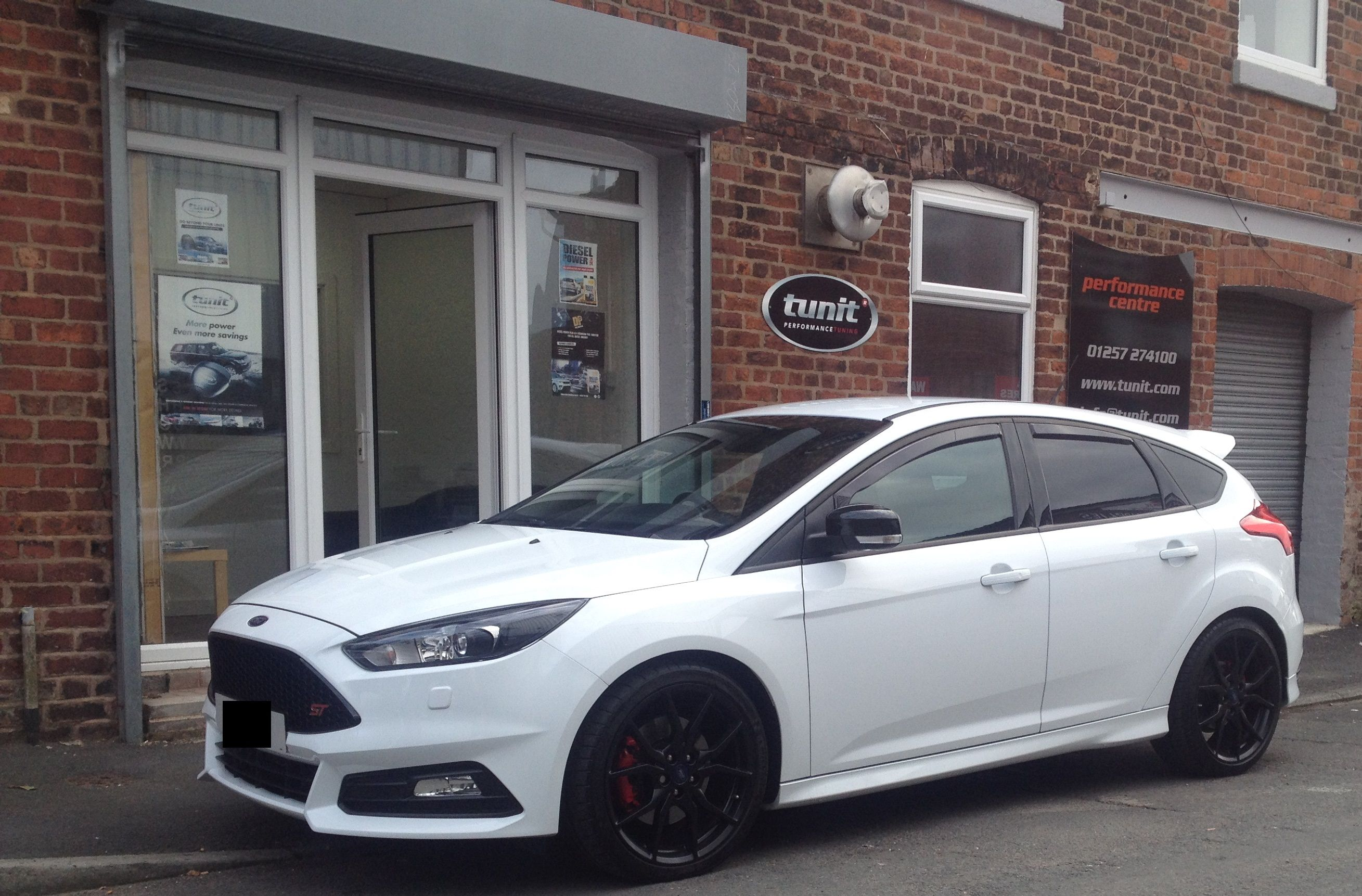 Earlier This Morning A Customer Brought His New Ford Focus St Iii 2 0l Eco Boost In To Have A Tunit Optimum Fitted Bh New Ford Focus Ford Focus St Ford Focus