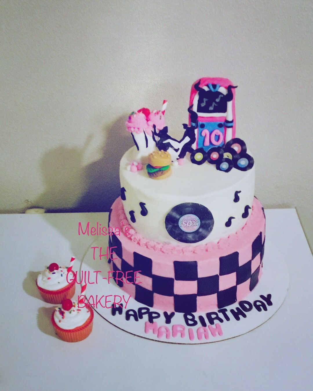 50s Themed Cake And Strawberry Shake Cupcakes Themed Cakes Cake