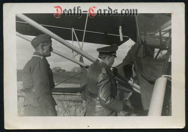 orig. WWII Photo - Generalfeldmarschall Kesselring and his Fiseler Storch in Russia