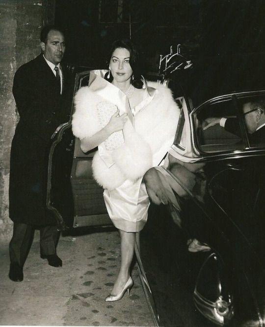 Ava Gardner......Uploaded By www.1stand2ndtimearound.etsy.com