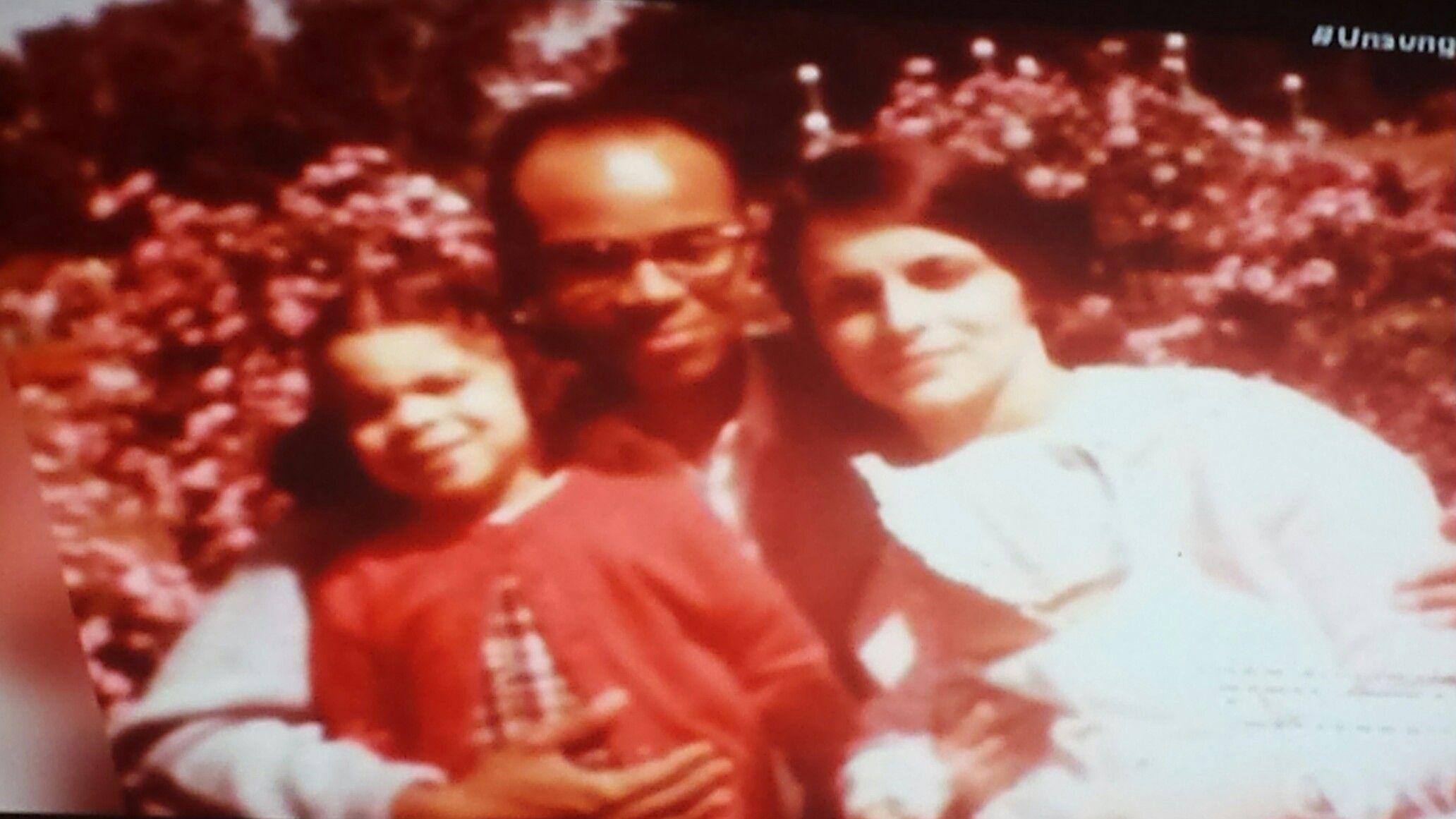 Jasmine Guy with her parents. | Jasmine guy, We are family ...
