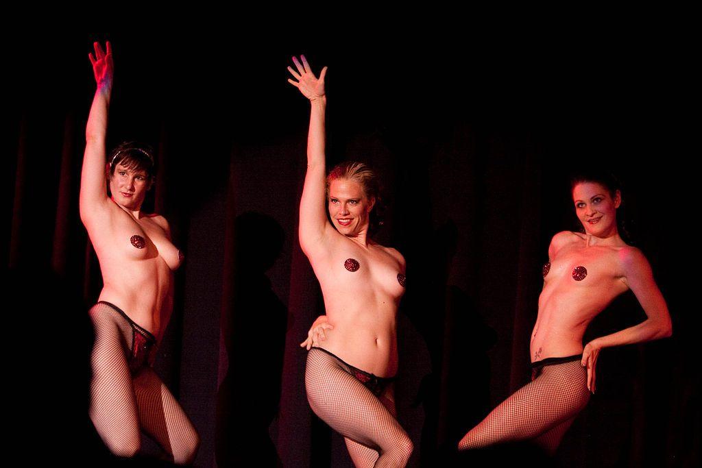 Naked dancing girl video