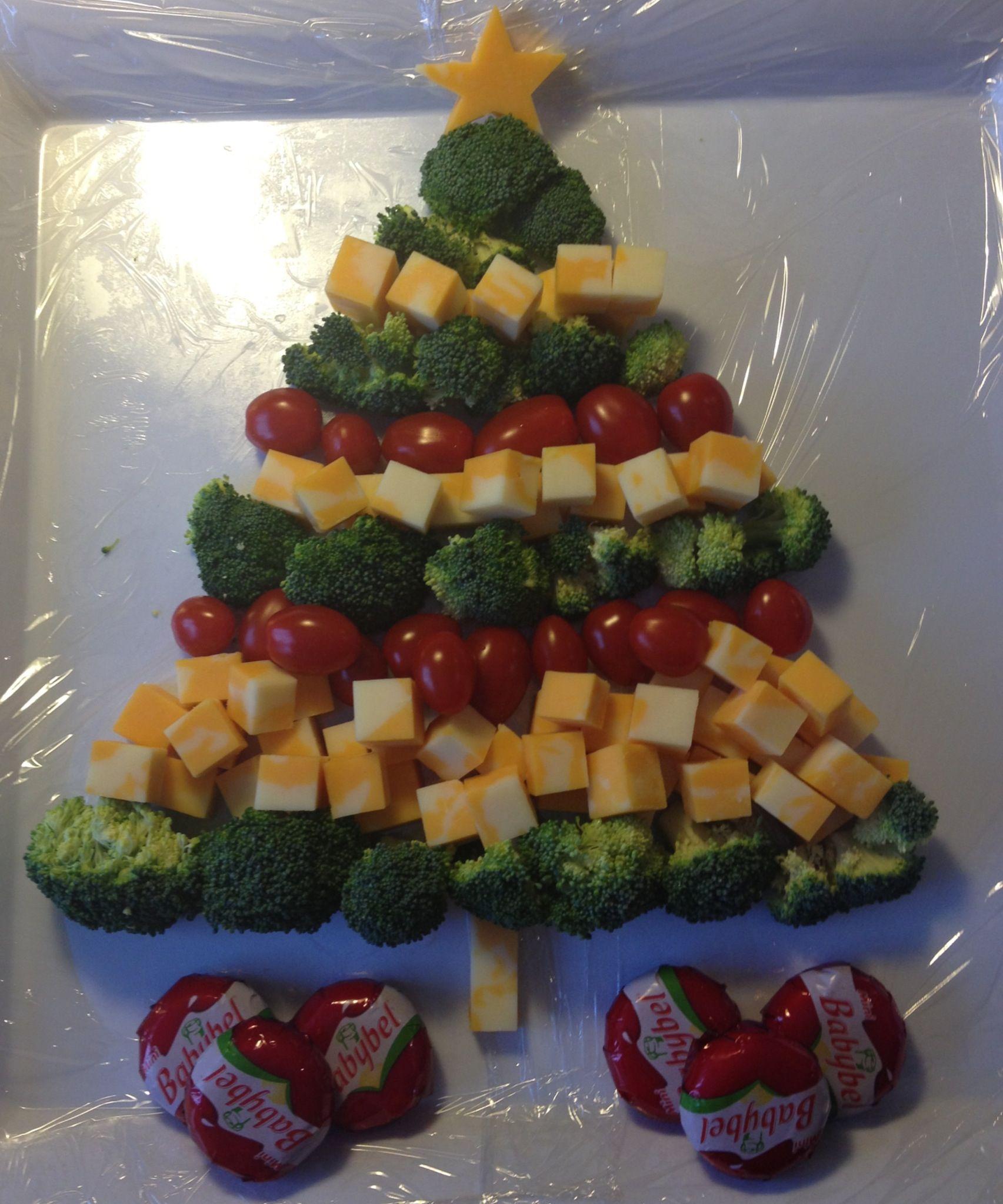 Veggie Christmas Tree Recipe: Christmas Tree Cheese Platter With Broccoli And Cherry