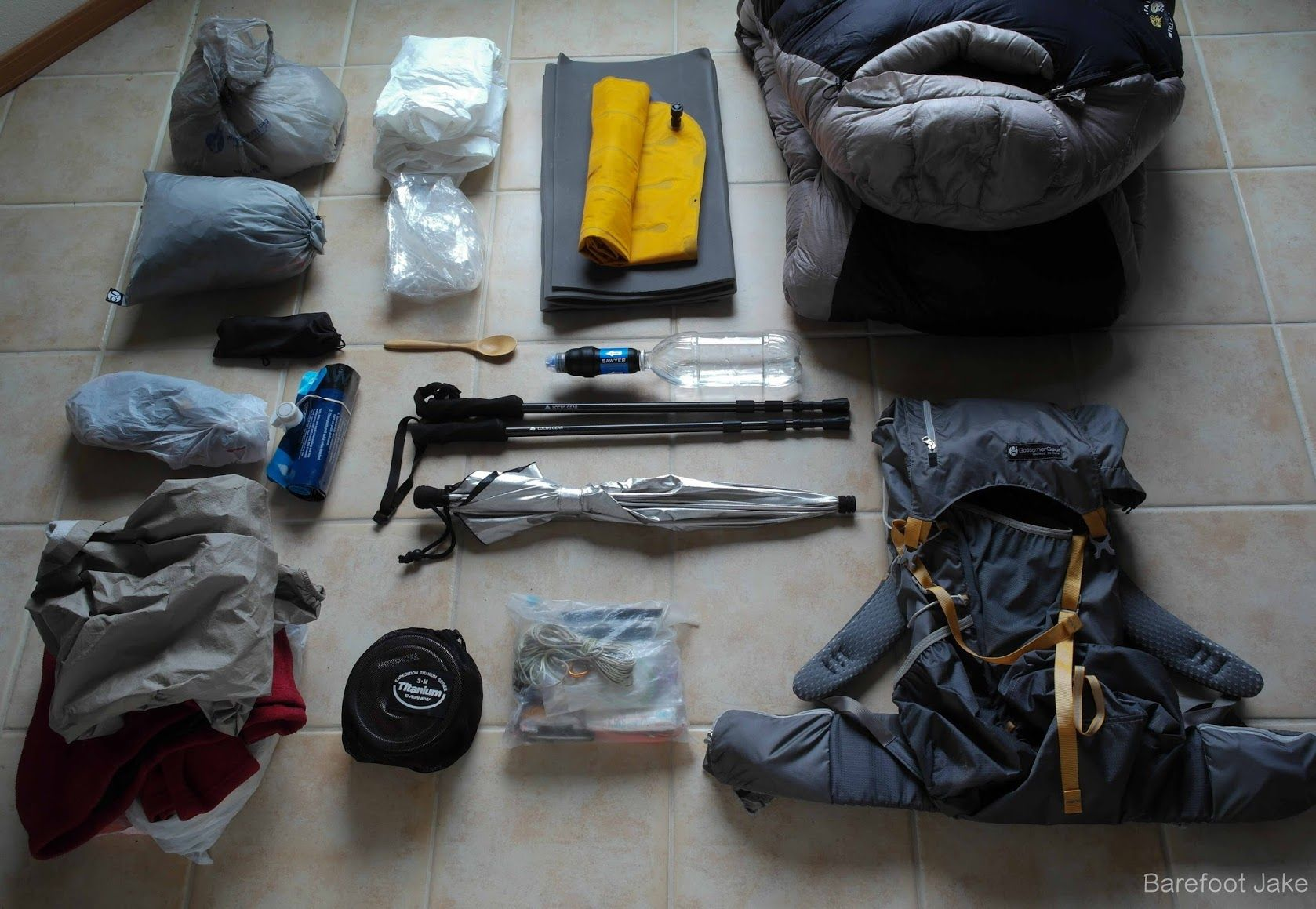 How to Pack a Ultralight Backpack for Overnight Hiking ...