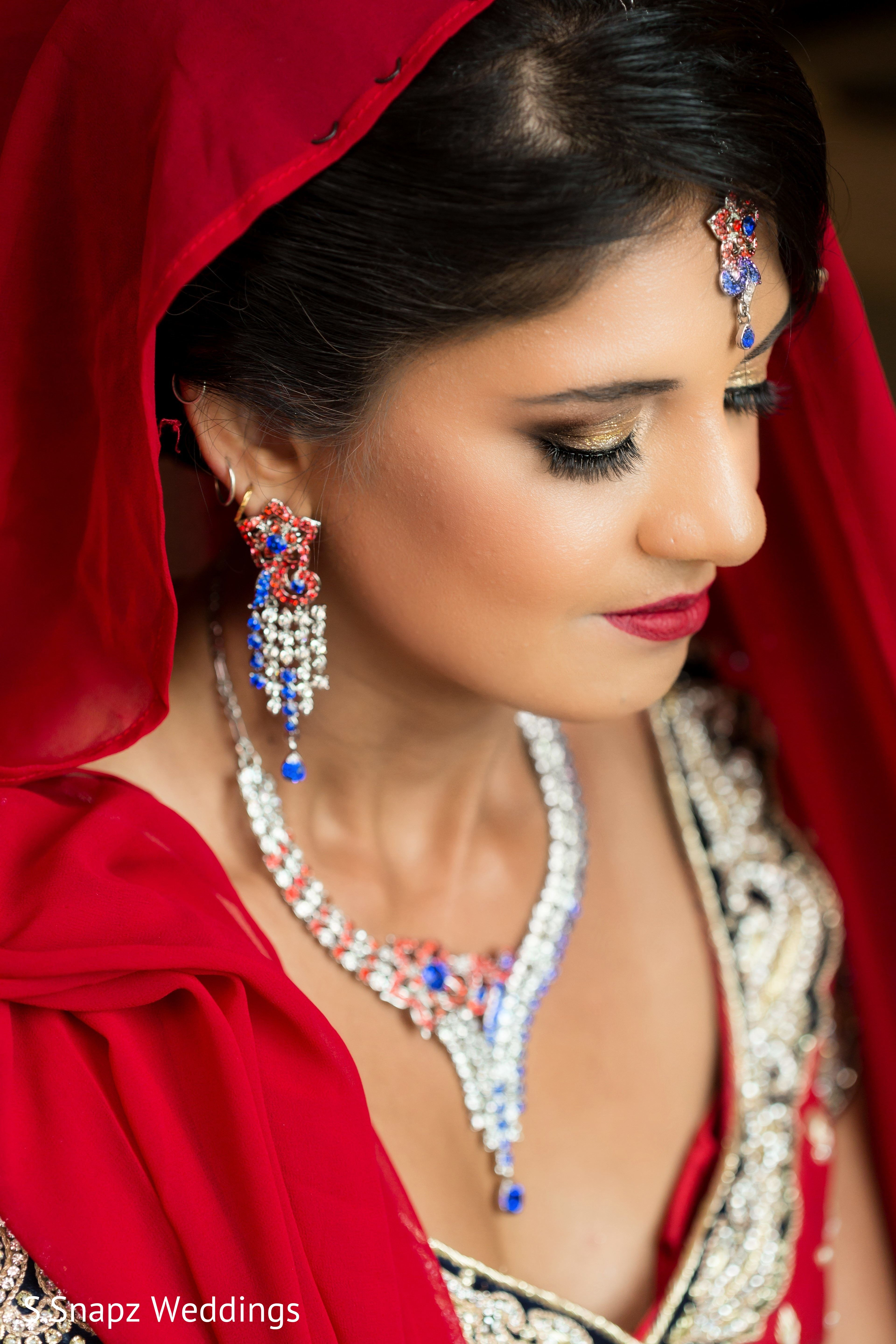 indian bridal hair and makeup artist based in new york city