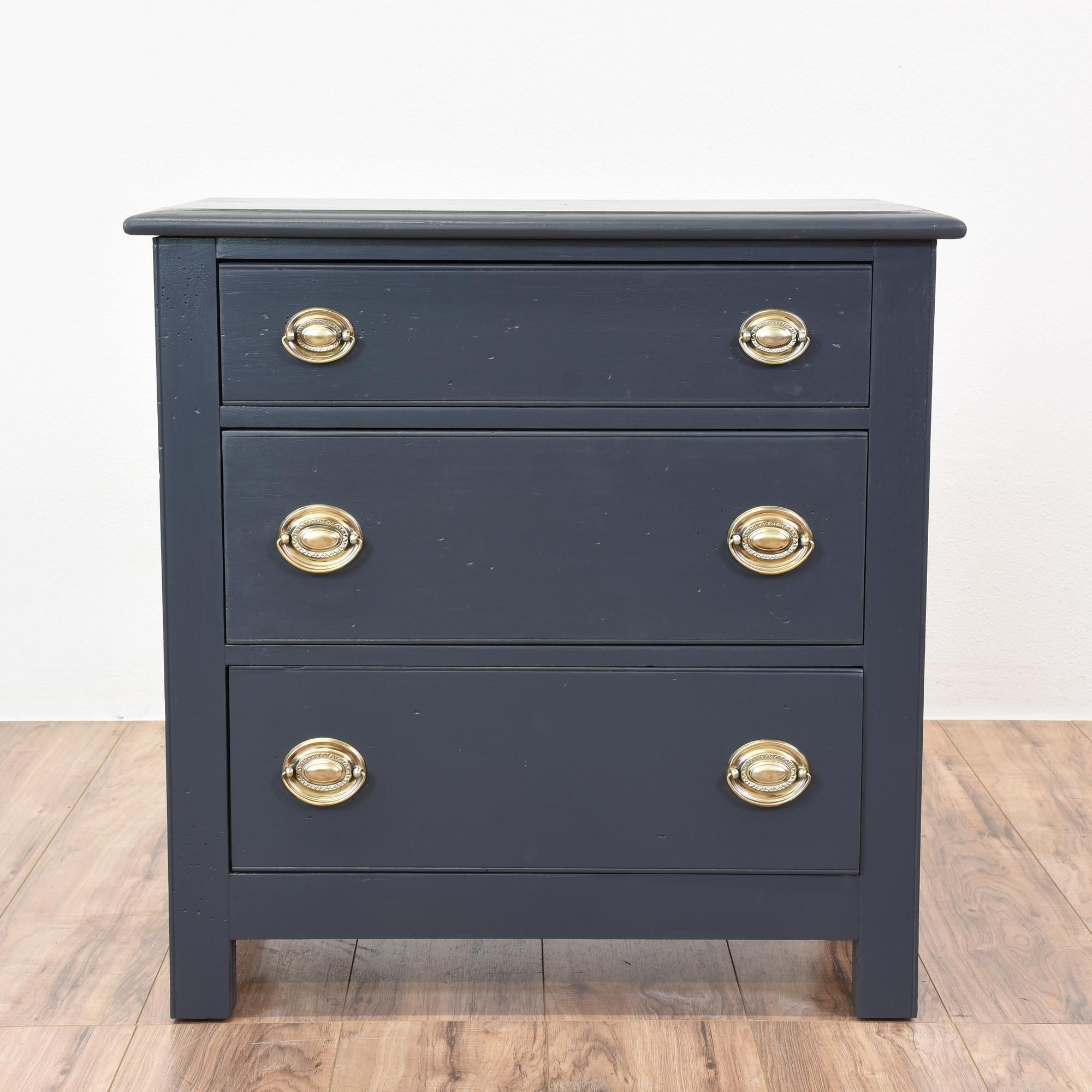 this hepplewhite nightstand is featured in a solid wood painted in
