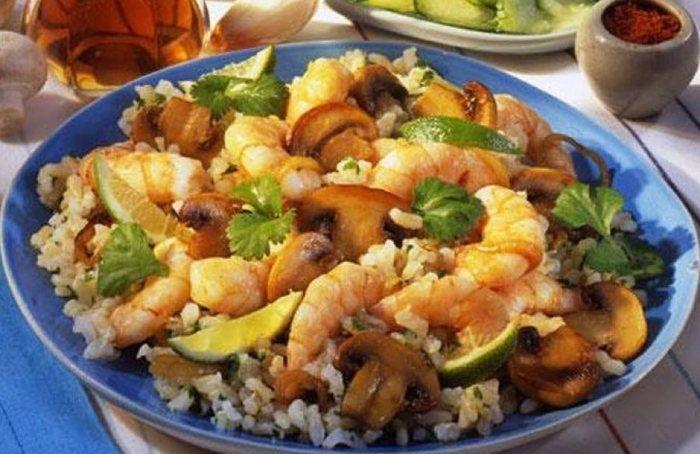 Garnierter Reis
