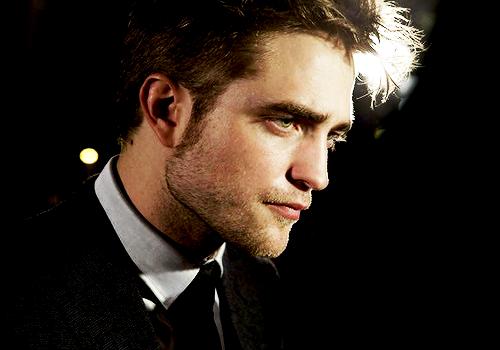 Pin by Joanie Coker on !!!Robert Pattinson!!! | Robert ...