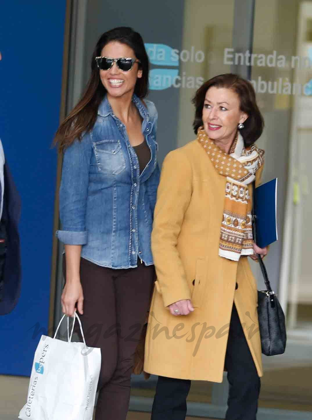 Lara Alvarez y madre de Fernando Alonso