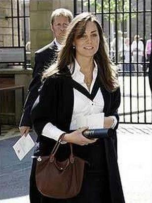 5c52e72cc0d0 Kate Middleton Carrying a 1. Longchamp Le Pliage Large Tote Bag ...