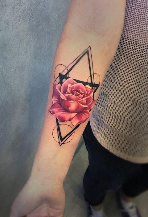 Tatuajes Rosa En El Brazo Moda Tatuajes Femeninos Brazo