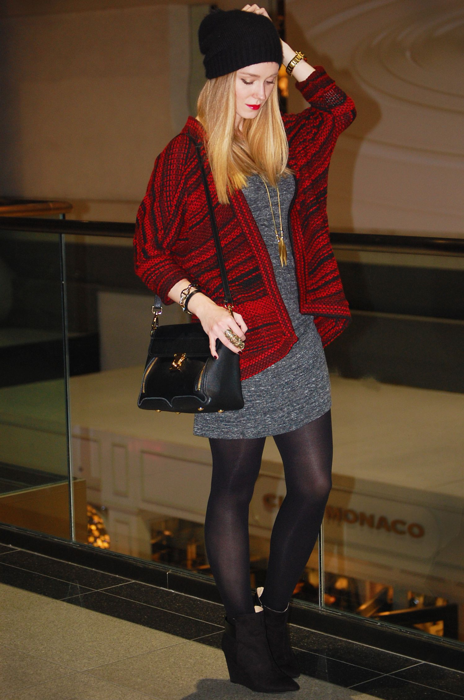 Cozy Chic Sweaters + Holiday Beauty Sweater fashion