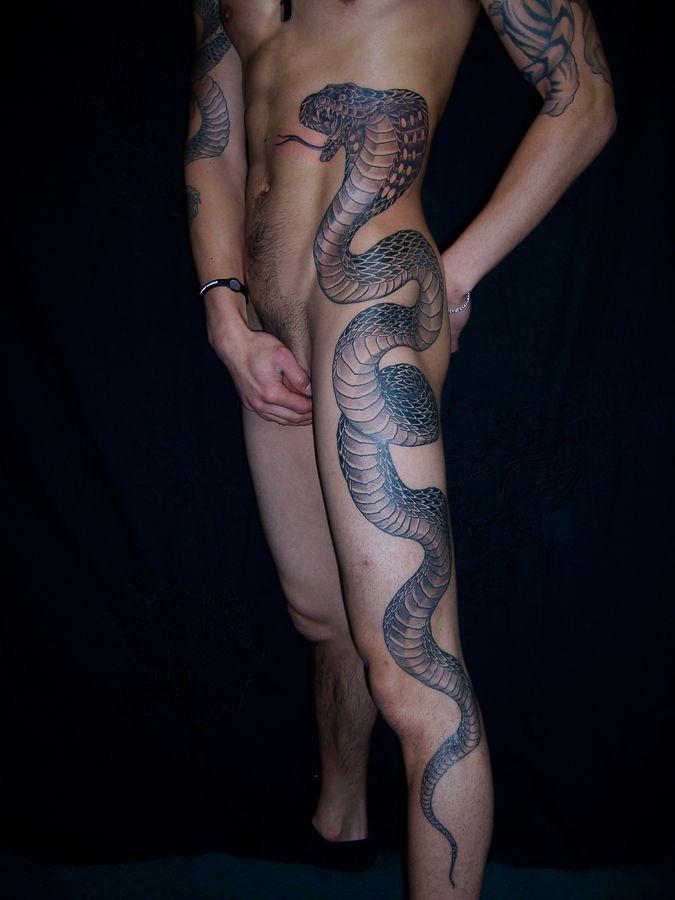 snake tattoo on leg best 3d tattoo ideas pinterest snake tattoo tattoo and 3d tattoos. Black Bedroom Furniture Sets. Home Design Ideas