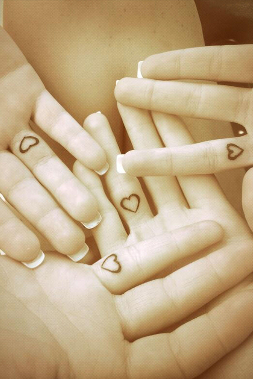 Tatuaje Corazon En El Dedo 28 tiny finger tattoo ideas | tattoos | pinterest | tatuaje diminuto