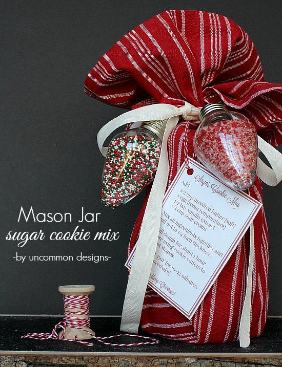Simple neighbor gift for christmas sugar cookies jar and sugaring a fabulous simple mason jar neighbor gift idea for christmas sugar cookie mix with free negle Images
