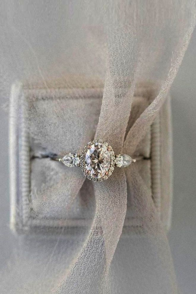 Diamond Engagement Rings For Sale In South Africa Amid Diamond Engagement Rin Most Beautiful Engagement Rings Beautiful Engagement Rings Dream Engagement Rings