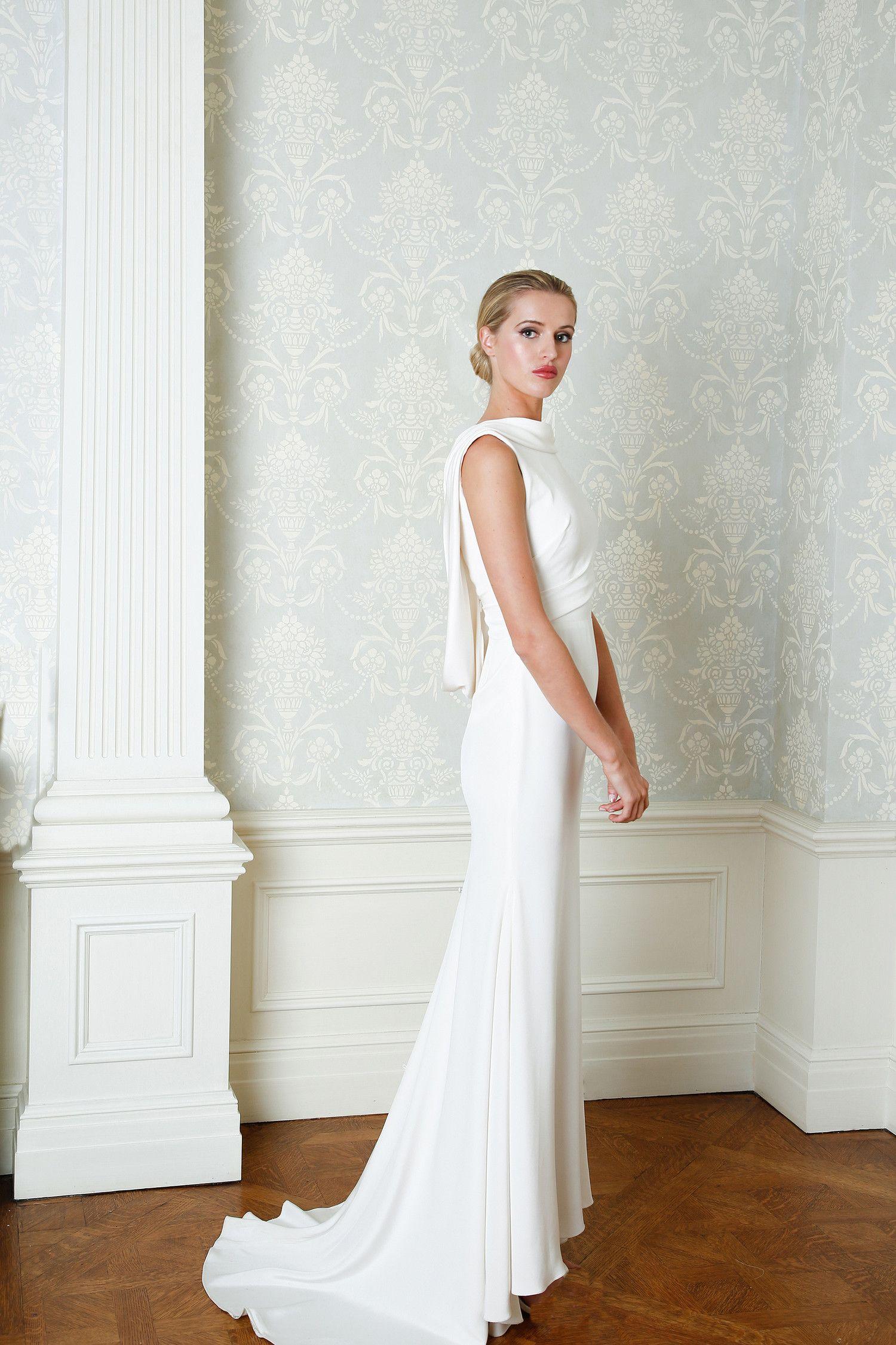 Simple Wedding Dresses That Are Just Plain Chic Wedding Dresses Simple Fitted Wedding Dress Wedding Dresses Lace [ 2250 x 1500 Pixel ]