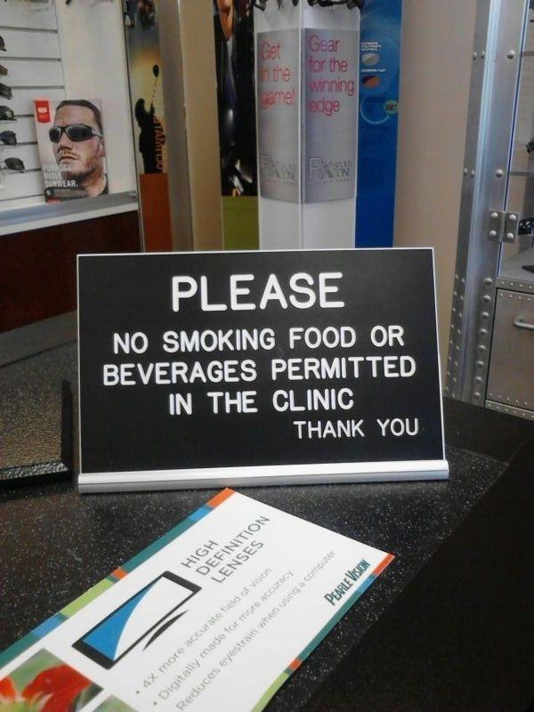 A sign lacking commas