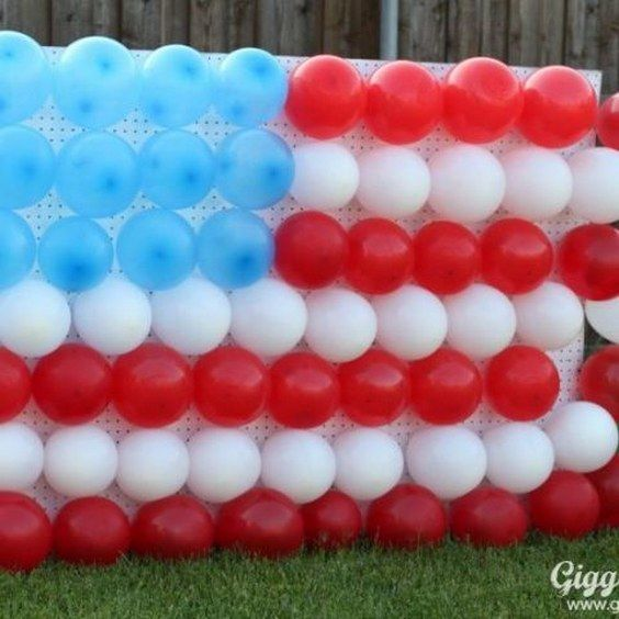 Patriotic Crafts For the Most Memorable / http://www.himisspuff.com/red-white-and-blue-4th-of-july-wedding-ideas/9/
