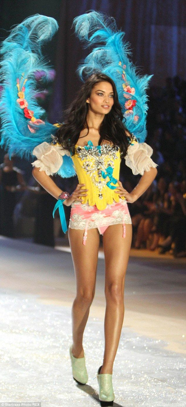 2531da853c Shanina Shaik celebrates being chosen for the Victoria s Secret Show ...