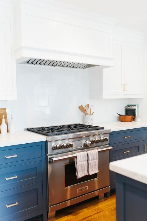 White Top Cabinets Navy Base Cabinets Transitional Kitchen Benjamin Moore Hale Navy Navy Kitchen Cabinets Kitchen Design Kitchen Marble