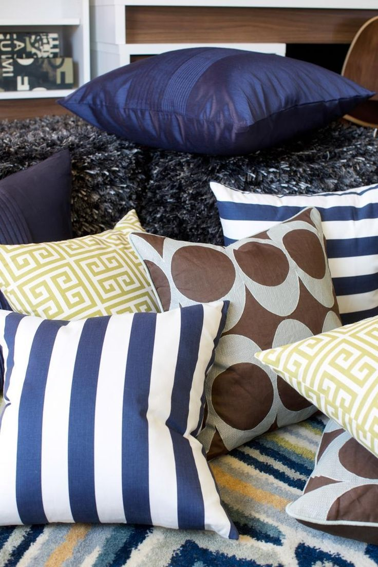 A plethora of complementary pillows take the style i like the