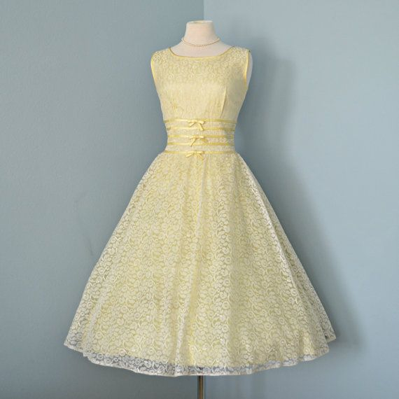 Great Vintage 1950u0027s Wedding Dress...Beautiful Pale Yellow Lace With Satin Trim Wedding  Dress Party Dress Medium