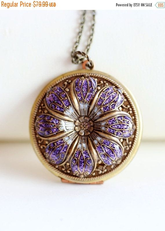 ON SALE LocketPurple locketfiligree Flower by emmalocketshop