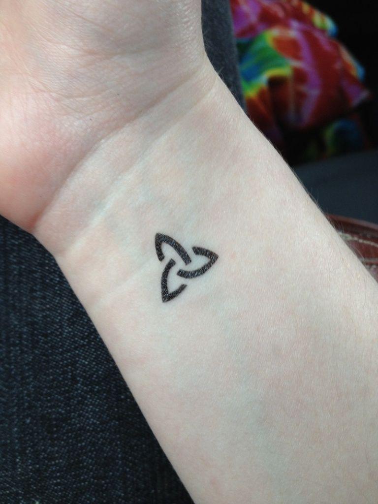 763d38869 29 Awesome Celtic Knot Wrist Tattoos | Creativity | Knot tattoo ...