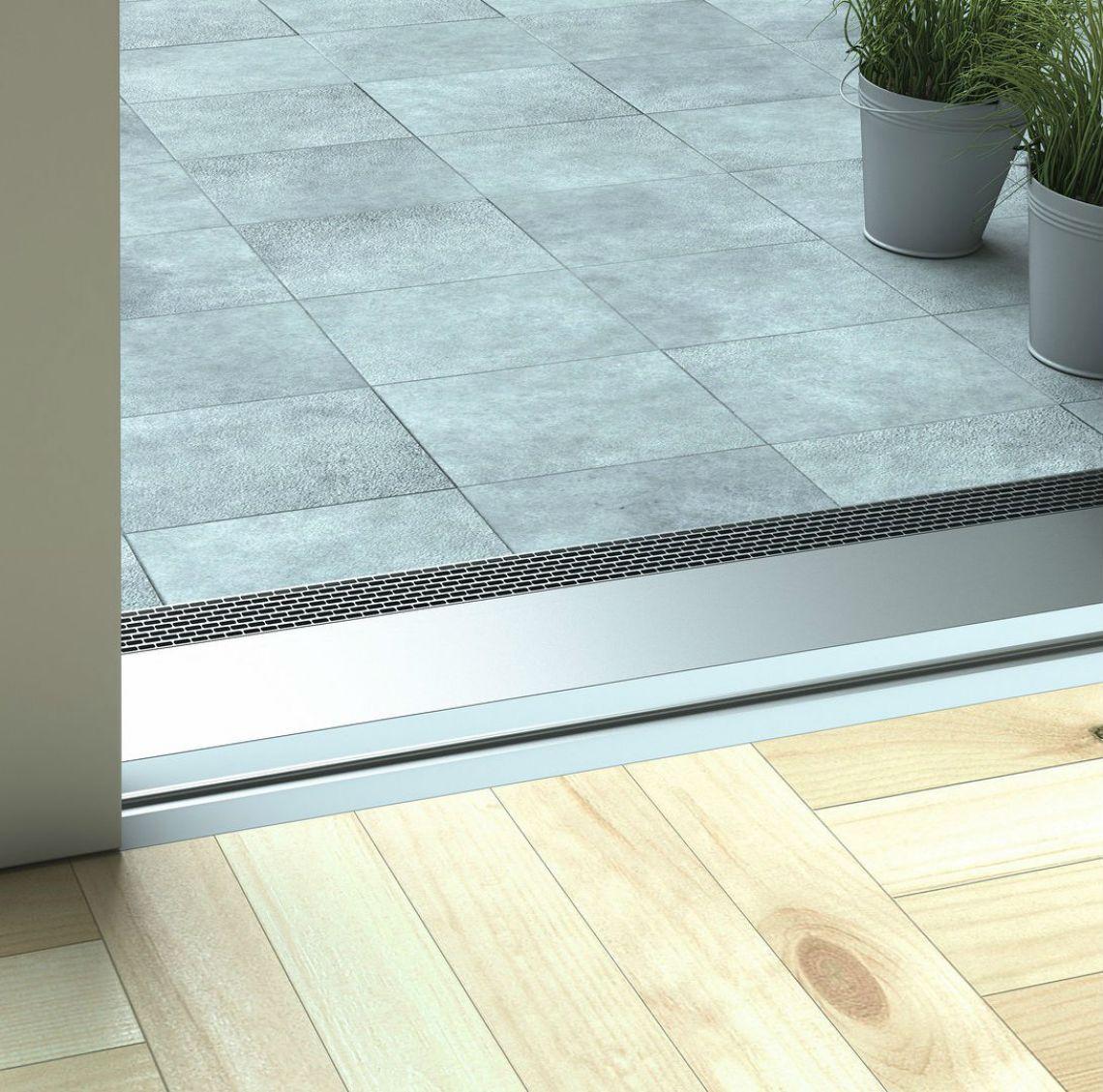 barrierefreie schwelle einer hebeschiebet r schlie t b ndig mit dem boden ab die t r ist leicht. Black Bedroom Furniture Sets. Home Design Ideas