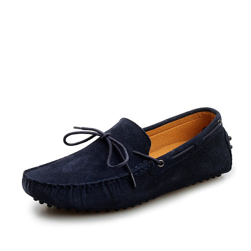 moccasin black single men Black moccasin slippers for men these northern trail brand slippers for men are a black micro suede moccasin style the slippers can be easily surface cleaned with a damp cloth.