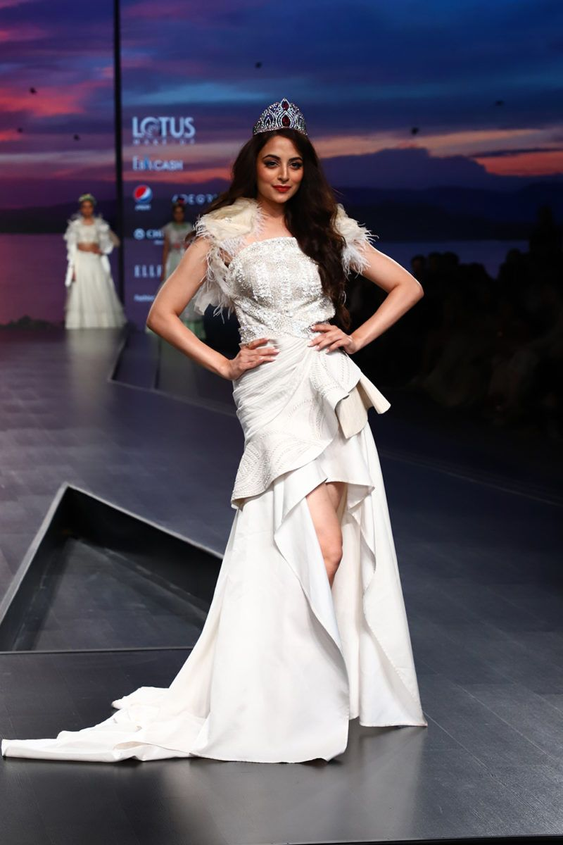 Designers Gazal Mishra Pinkey Megha Jain Madan And Anju Jain Showcased Their Latest Fashion Trends Collection On The Fashion India Fashion India Fashion Week