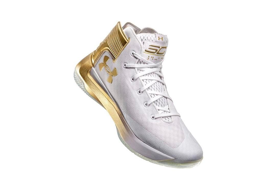 newest 724ca c53a7 Official images of the @UAbasketball Curry 3Zero for the NBA ...