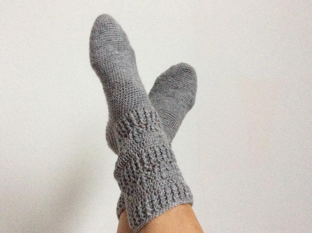 Zapatillas de ganchillo y patrones de calcetines gratuitos y fáciles ...