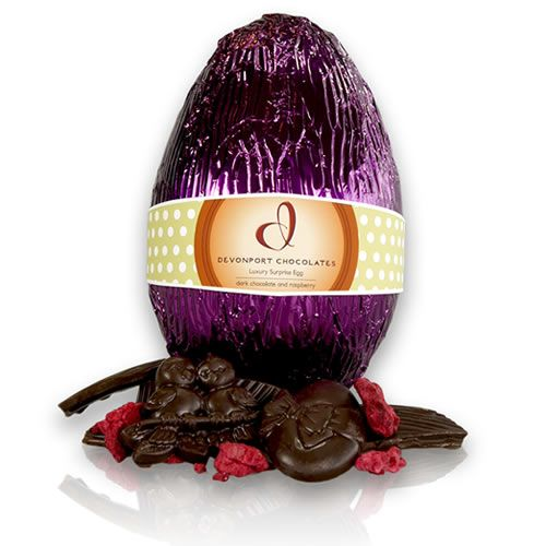Luxury easter egg in dark chocolate with raspberries httpwww luxury easter egg in dark chocolate with raspberries httpgiftloft negle Images