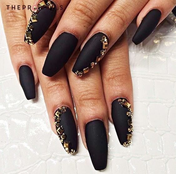 Gold on black nails art #gold #black #nails #inspiration | Nail Art ...