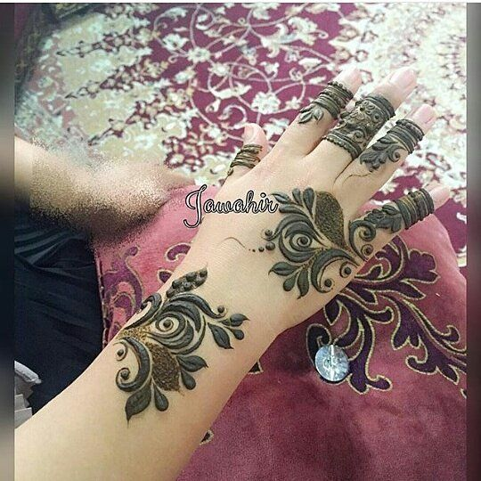Pin By Hala On Henna Mehndi Arabic Henna Designs Henna Leg Tattoo Henna Patterns