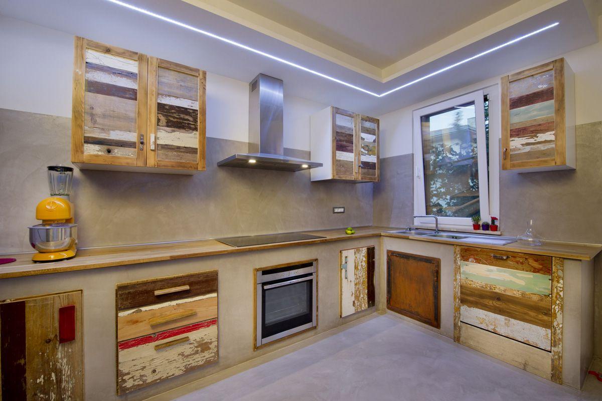 Cucina su misura artigianale in finta muratura (struttura in ...
