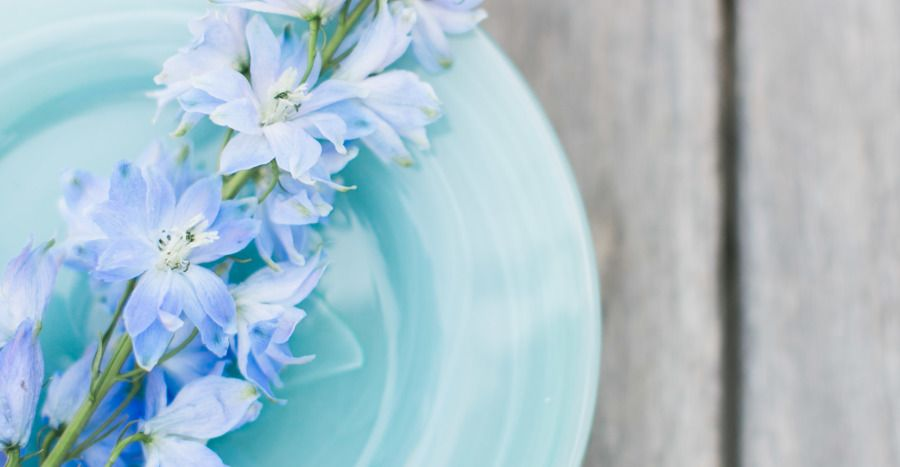 Inspired by the pale shades of sea glass and the prettiest outdoor wares from Pier 1 Imports, we set out to craft a tablescape that is worthy of a summer celebration. Taking simple pieces with natural textures and a range of blue and green hues, we set the scene for an outdoor party thatfeels elegant […]