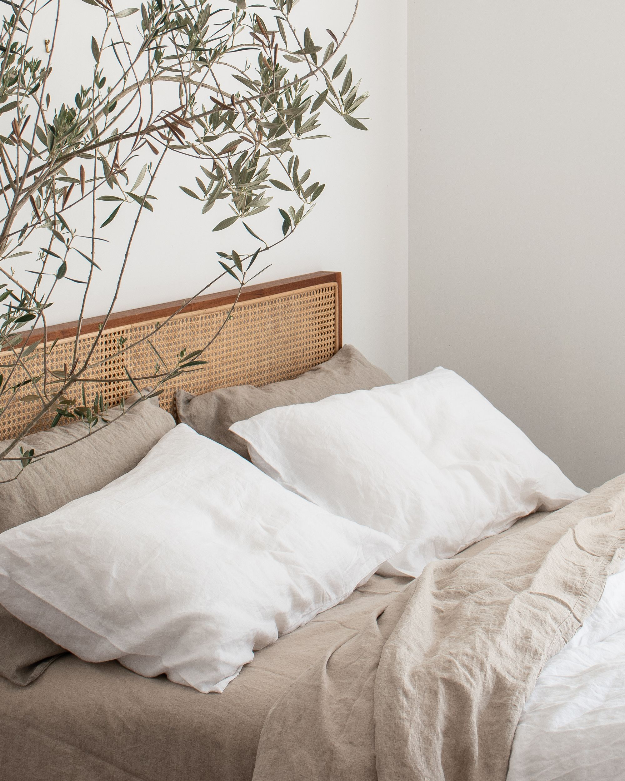 Photo of NATURAL & WHITE FRENCH LINEN BEDDING