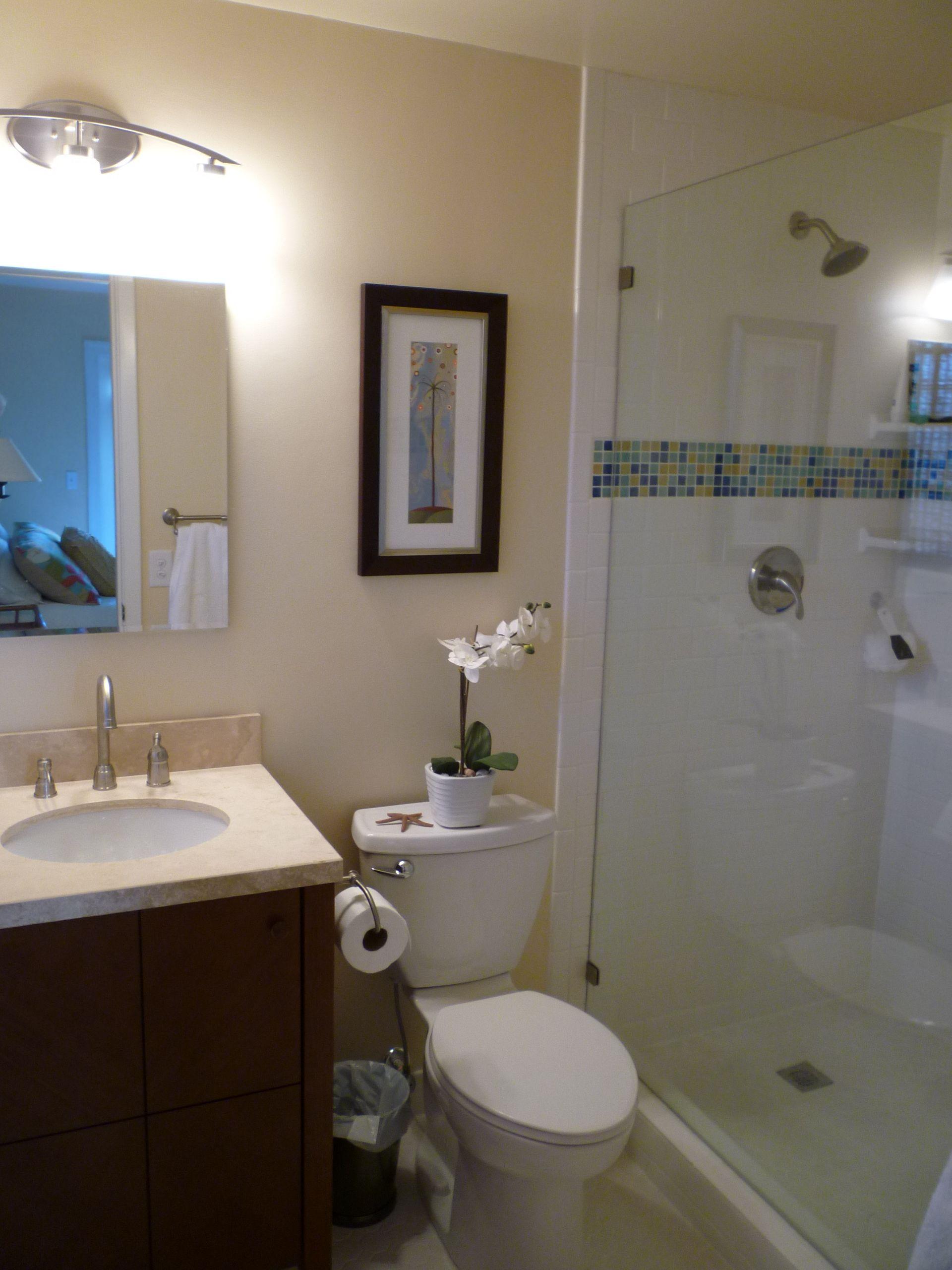 Tiny spa bathroom For the Home Pinterest