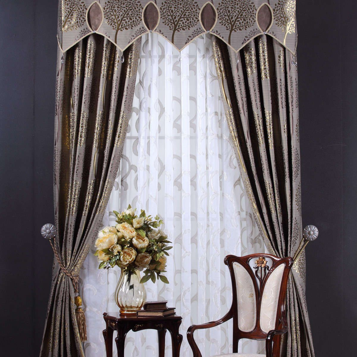 Upscale Drapes | -mural-pattern-luxury-bedroom-drapery-window ...