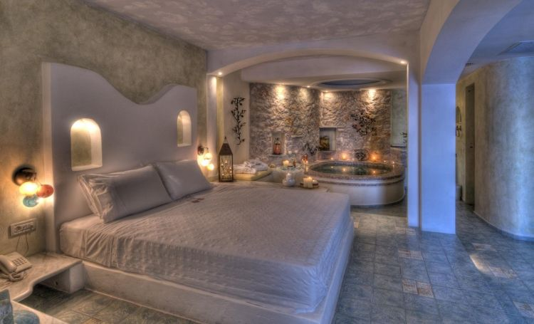 Bedroom with Jacuzzi in 50 beautiful living ideas Pinterest