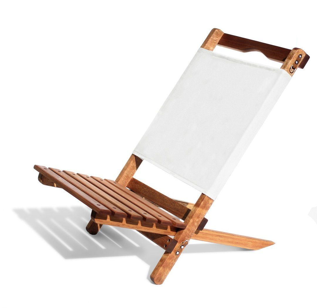Summer S Essential 2 Piece Chair Small Lightweight And Very Easy To Set Up And Pack Down The 2 Piece Chair Is Ideal For Throwing Over The Shoulder When Plaj